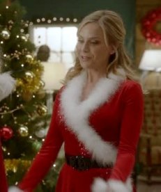 day-5-mrs-claus-dress